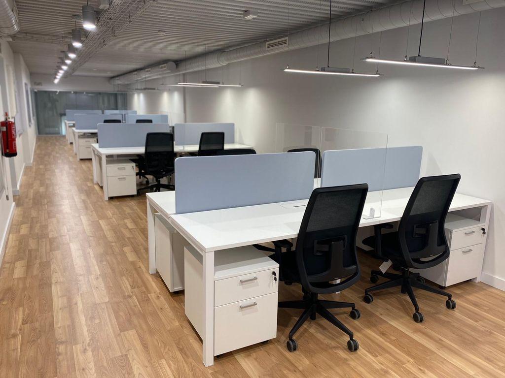 Mesa de Oficina Eco Multipuestos - Robusta y Funcional - Limobel Inwo