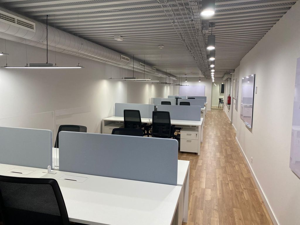 Mesa de Oficina Eco - Robusta y Funcional - Limobel Inwo