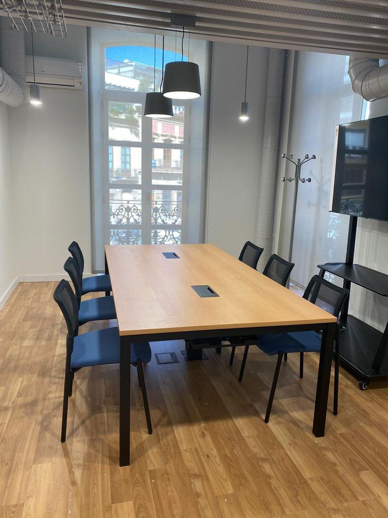 Mesa de Oficina Eco Reunión - Robusta y Funcional - Limobel Inwo